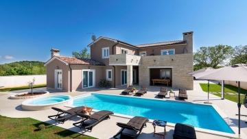 Villa for sale Sveti Lovreč
