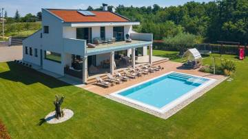 A beautiful modern villa close to Višnjan