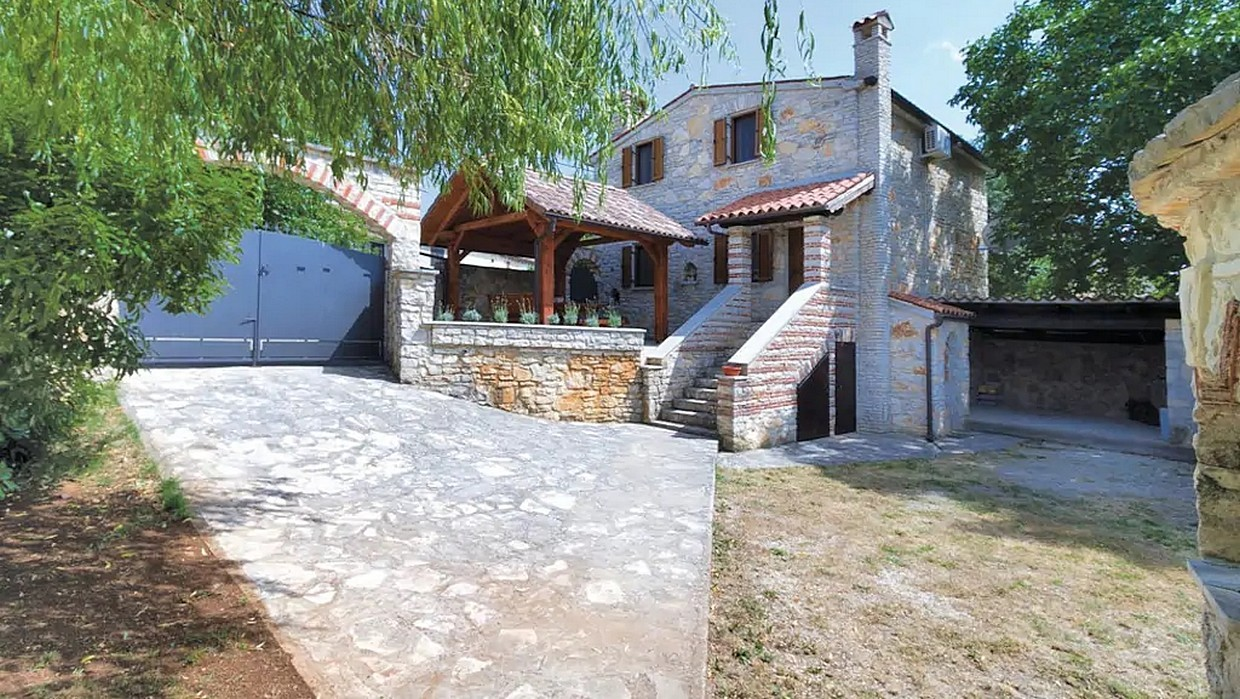 Stone house for sale Svetvinčenat