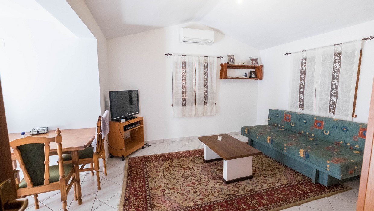 Two bedroom apartment for sale Poreč