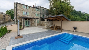 Stone house with pool for sale Motovun