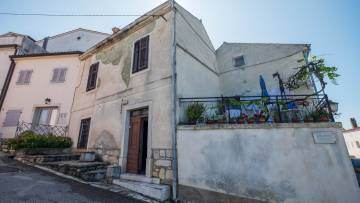 Stone house for renovation for sale Vrsar
