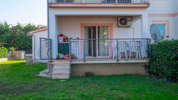 One bedroom apartment with garden on the ground floor, Poreč